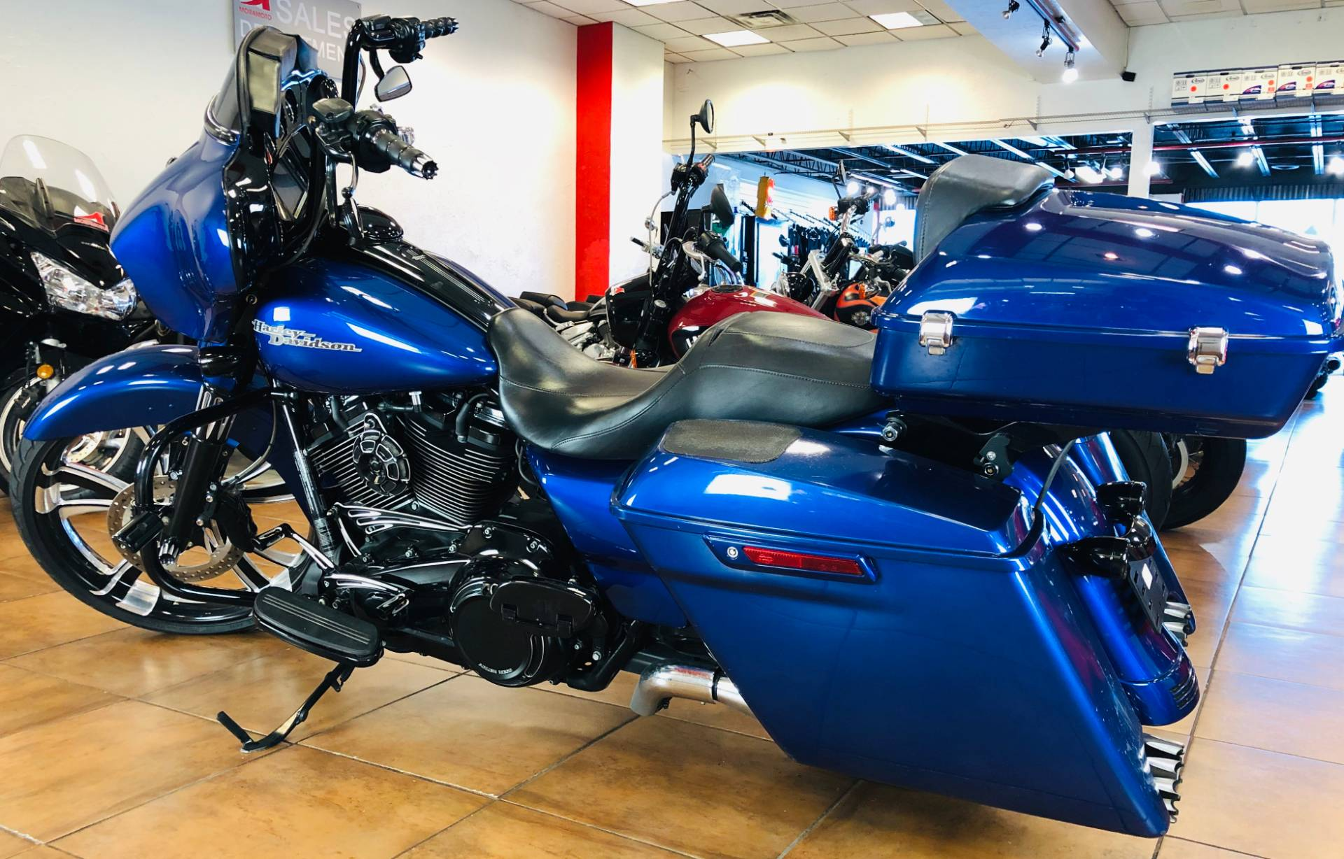 2017 Harley-Davidson Street Glide® Special in Pinellas Park, Florida - Photo 12