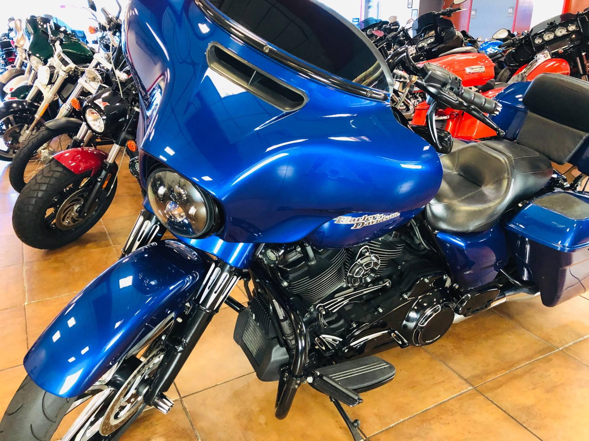 2017 Harley-Davidson Street Glide® Special in Pinellas Park, Florida - Photo 13