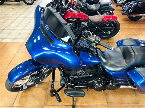 2017 Harley-Davidson Street Glide® Special in Pinellas Park, Florida - Photo 16