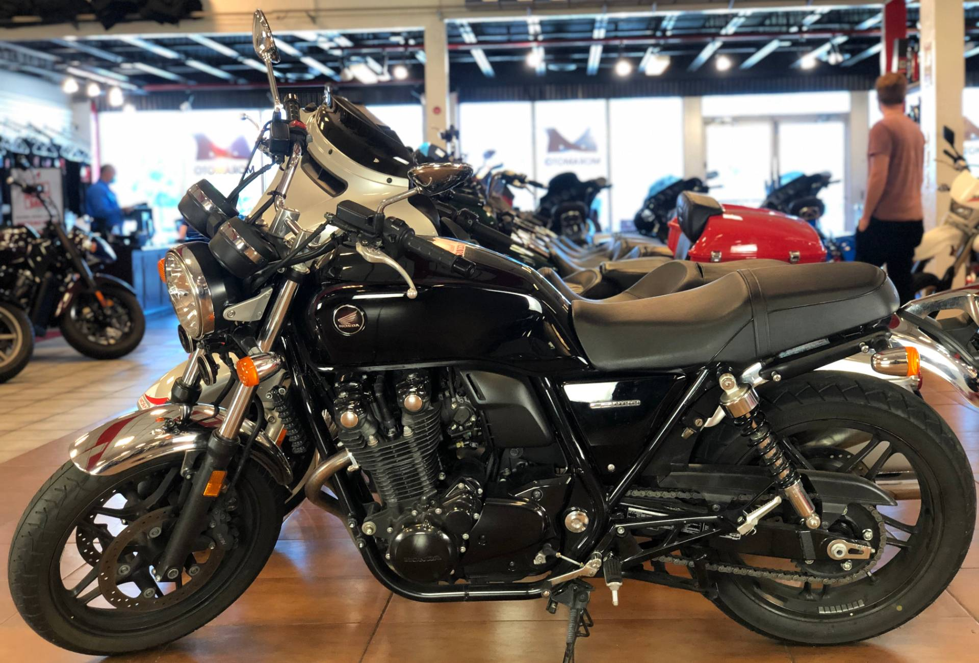 2014 Honda CB1100 in Pinellas Park, Florida - Photo 2