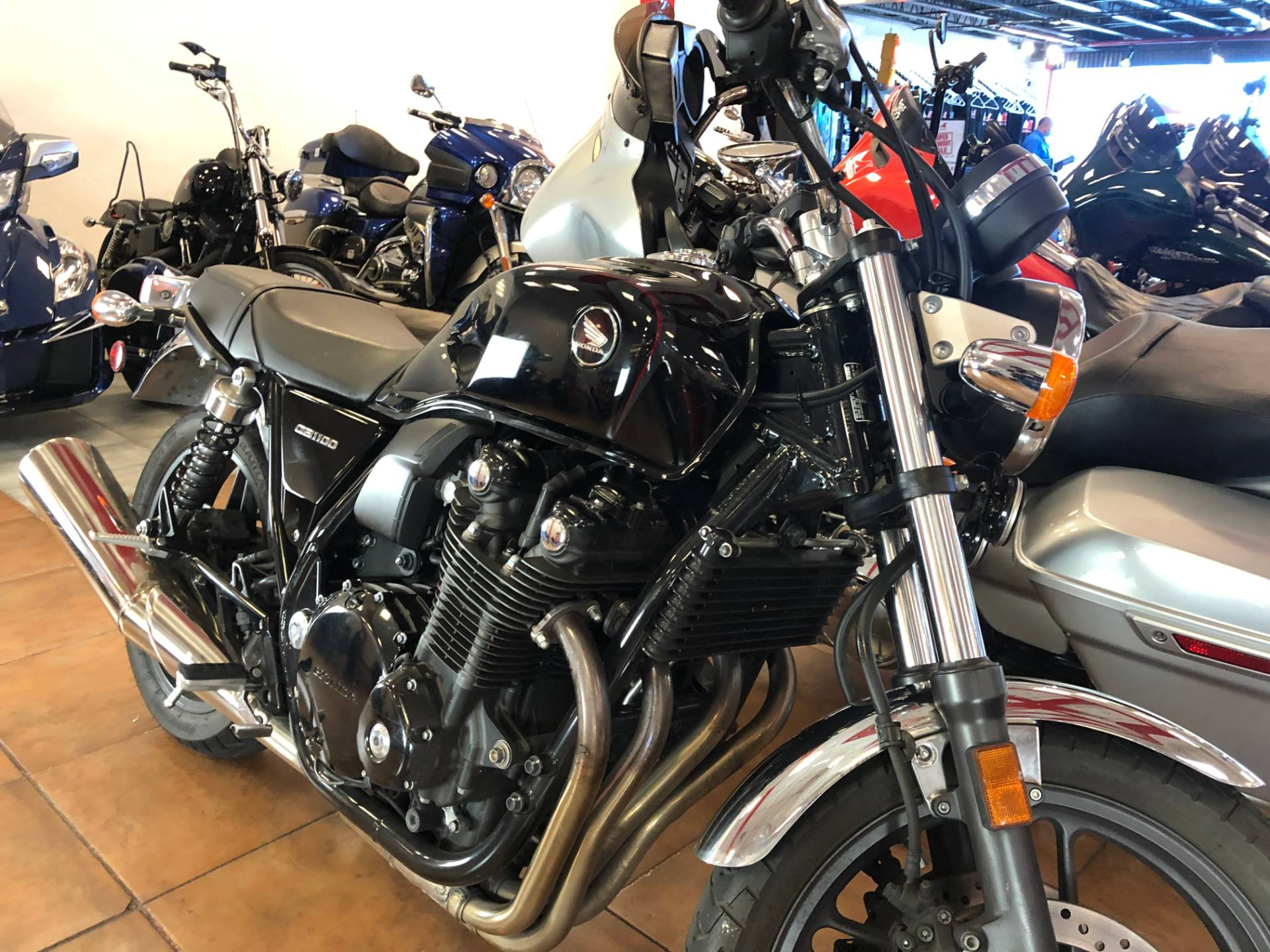 2014 Honda CB1100 in Pinellas Park, Florida - Photo 5