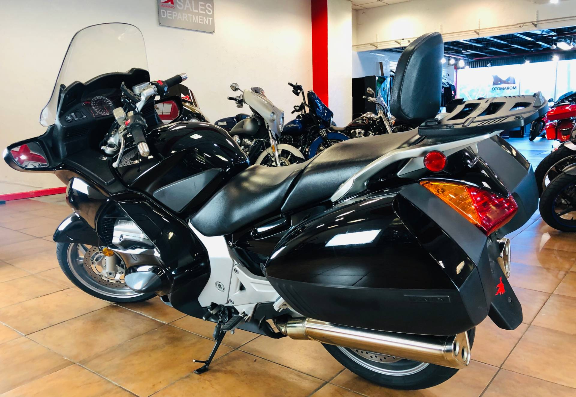 2006 Honda ST™1300 in Pinellas Park, Florida - Photo 12