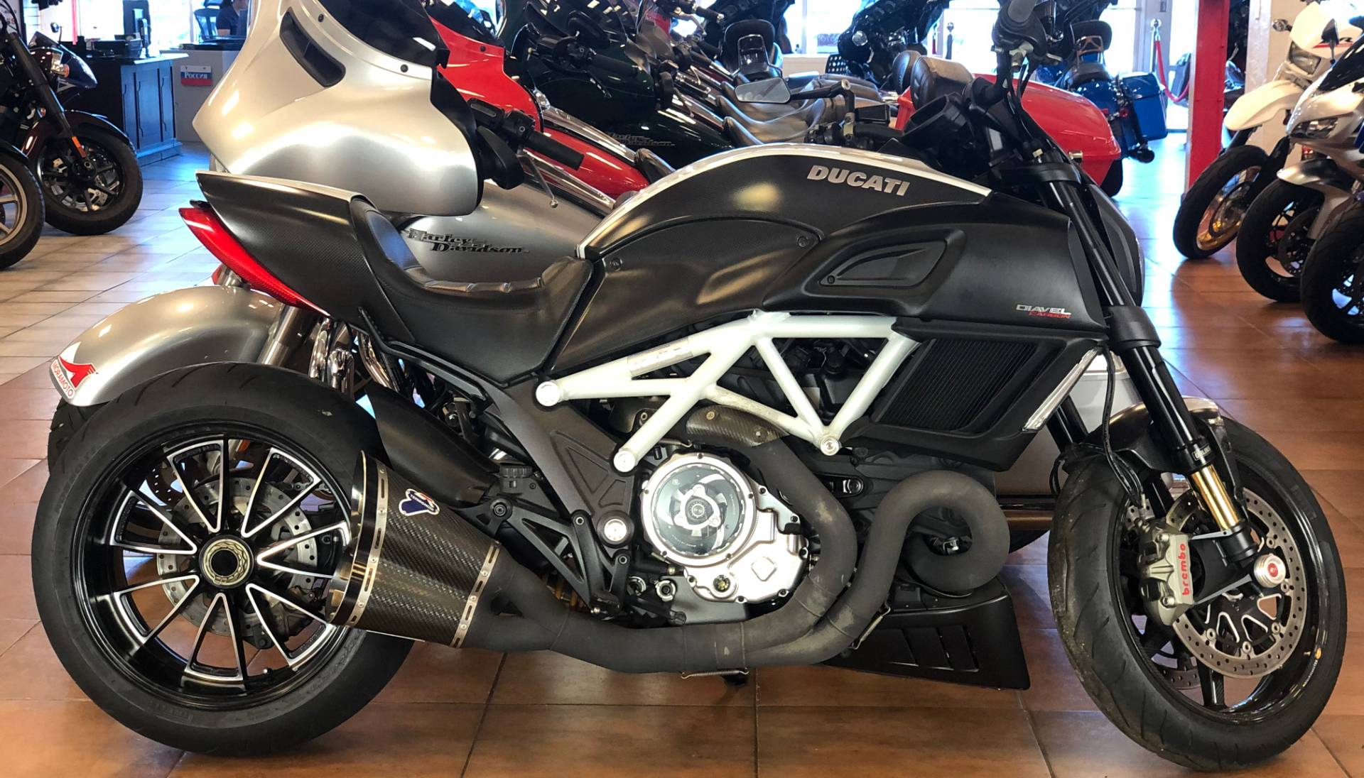 2015 Ducati Diavel Carbon in Pinellas Park, Florida - Photo 1