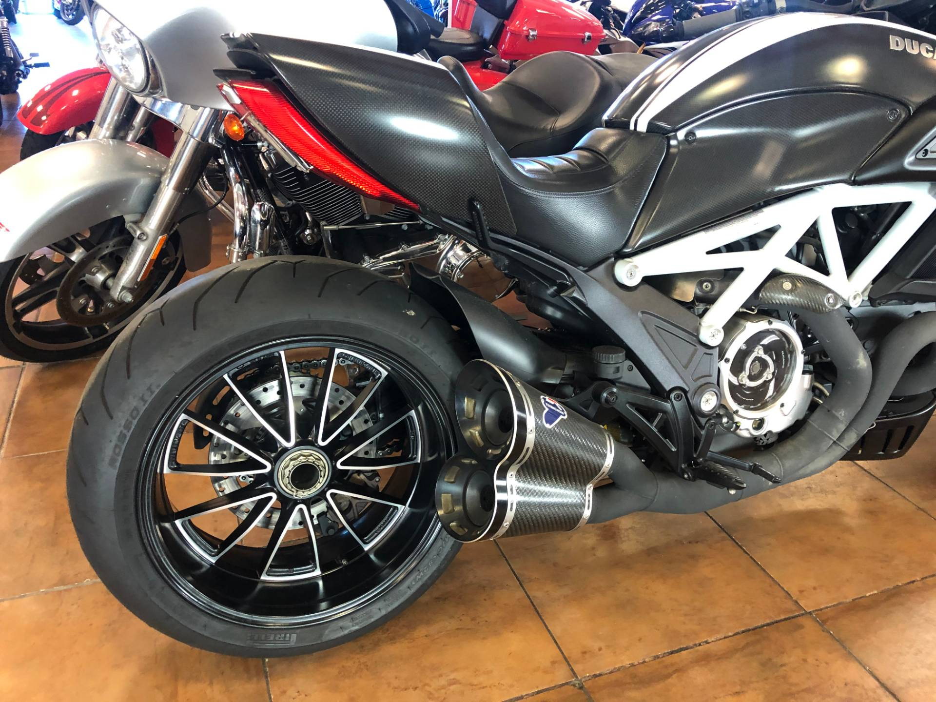 2015 Ducati Diavel Carbon in Pinellas Park, Florida - Photo 7