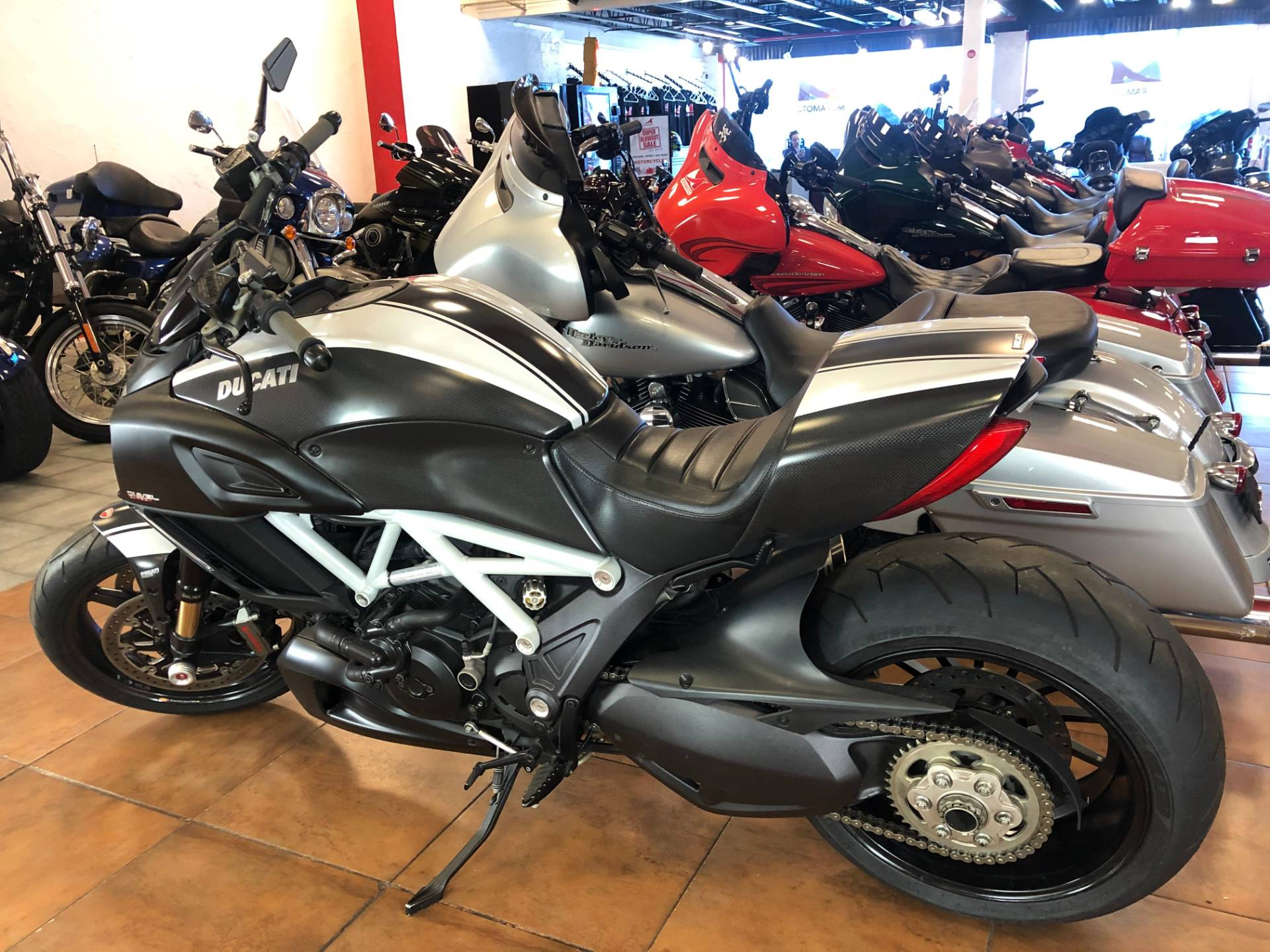 2015 Ducati Diavel Carbon in Pinellas Park, Florida - Photo 12