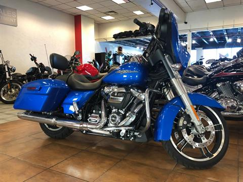 2018 Harley-Davidson Street Glide® in Pinellas Park, Florida - Photo 11