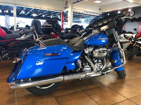 2018 Harley-Davidson Street Glide® in Pinellas Park, Florida - Photo 12