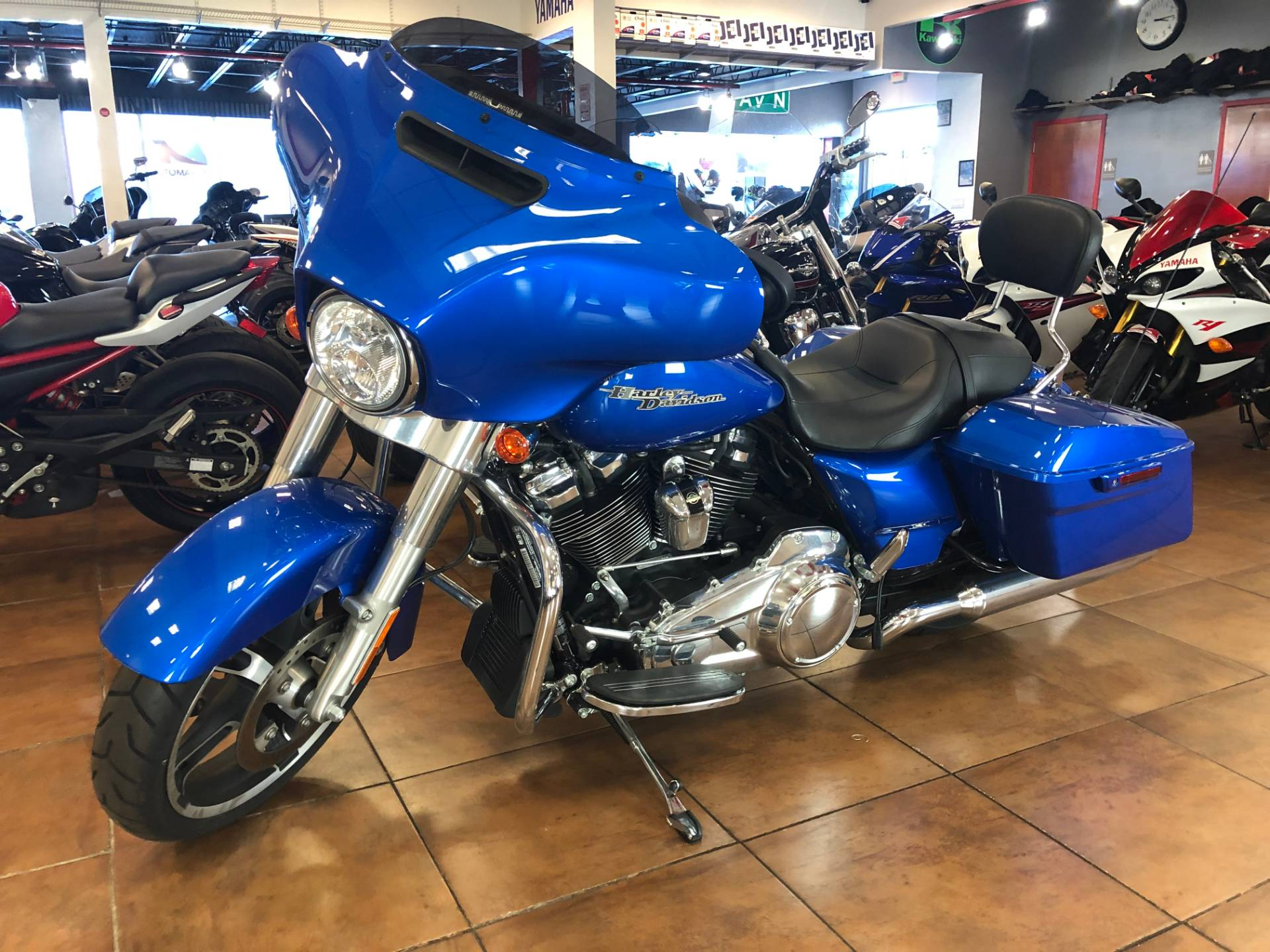 2018 Harley-Davidson Street Glide® in Pinellas Park, Florida - Photo 3