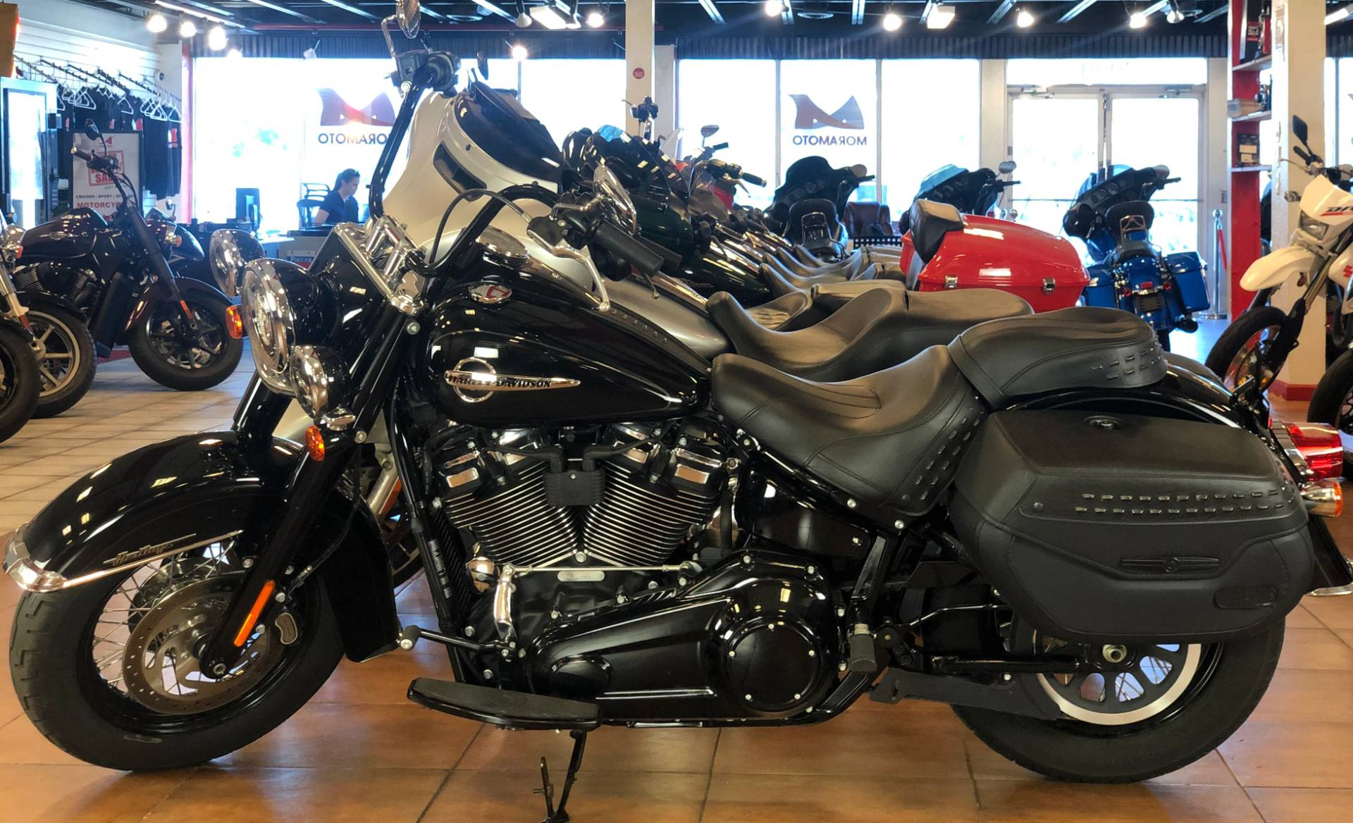 2019 Harley-Davidson Heritage Classic 107 in Pinellas Park, Florida - Photo 10