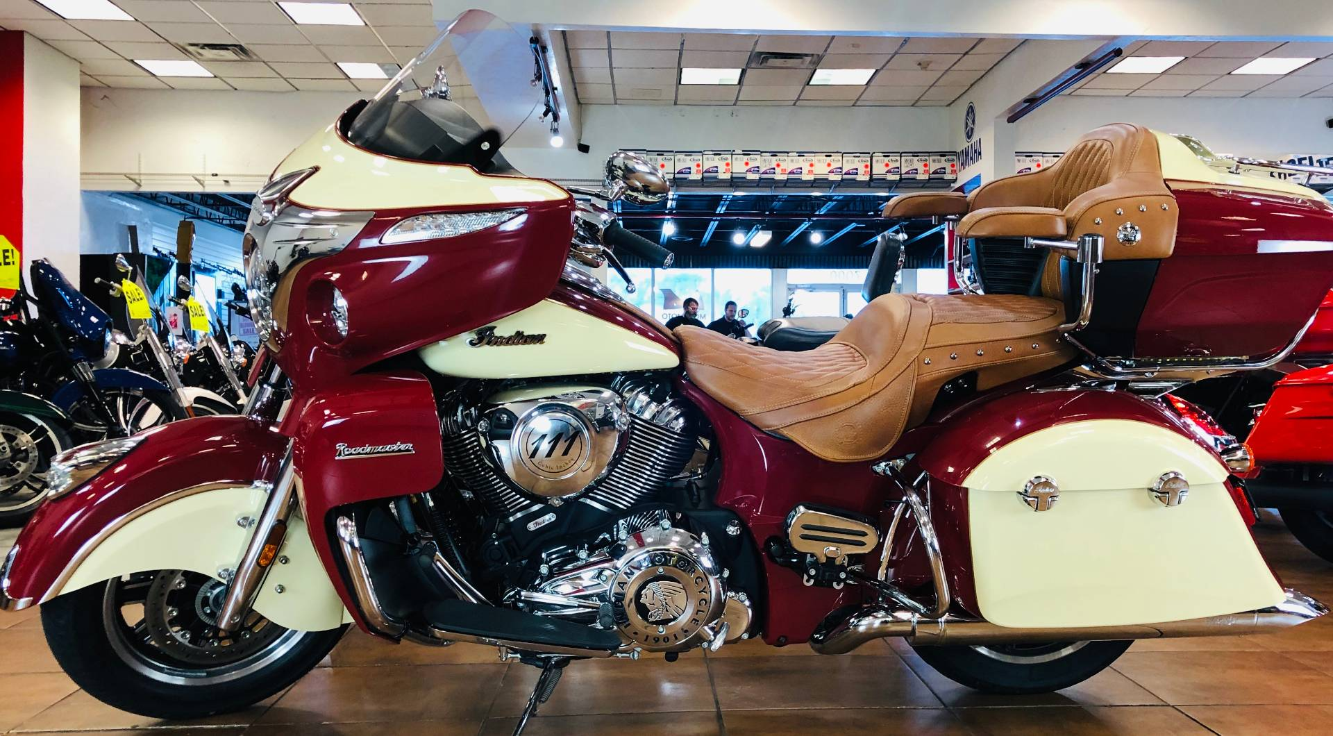 2016 Indian Roadmaster® in Pinellas Park, Florida - Photo 2