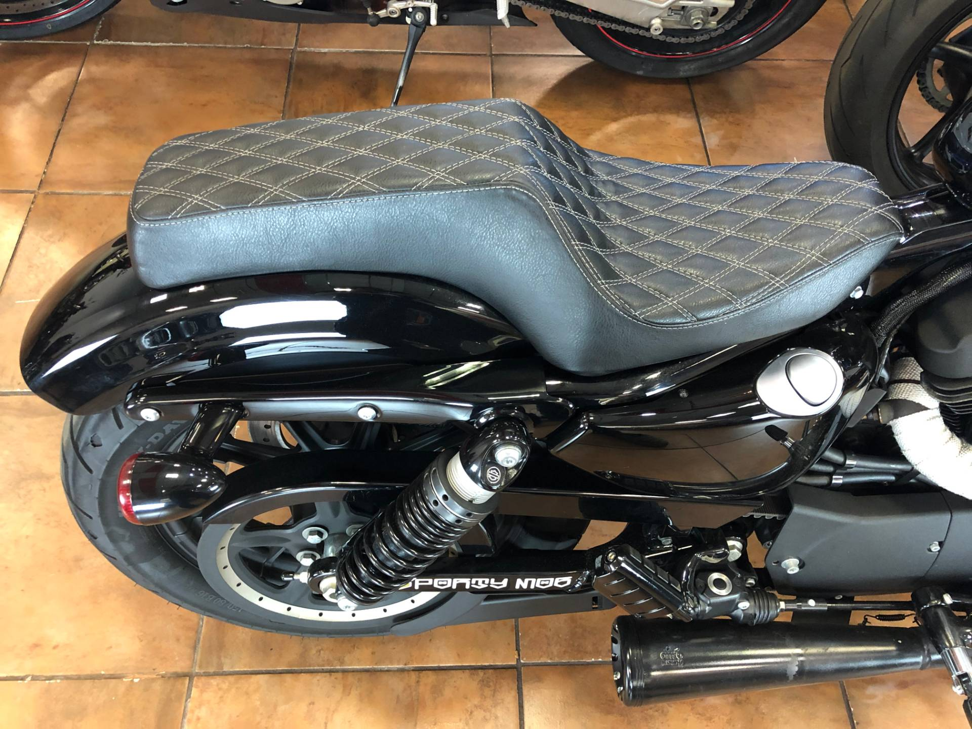 2019 Harley-Davidson Iron 1200™ in Pinellas Park, Florida - Photo 10