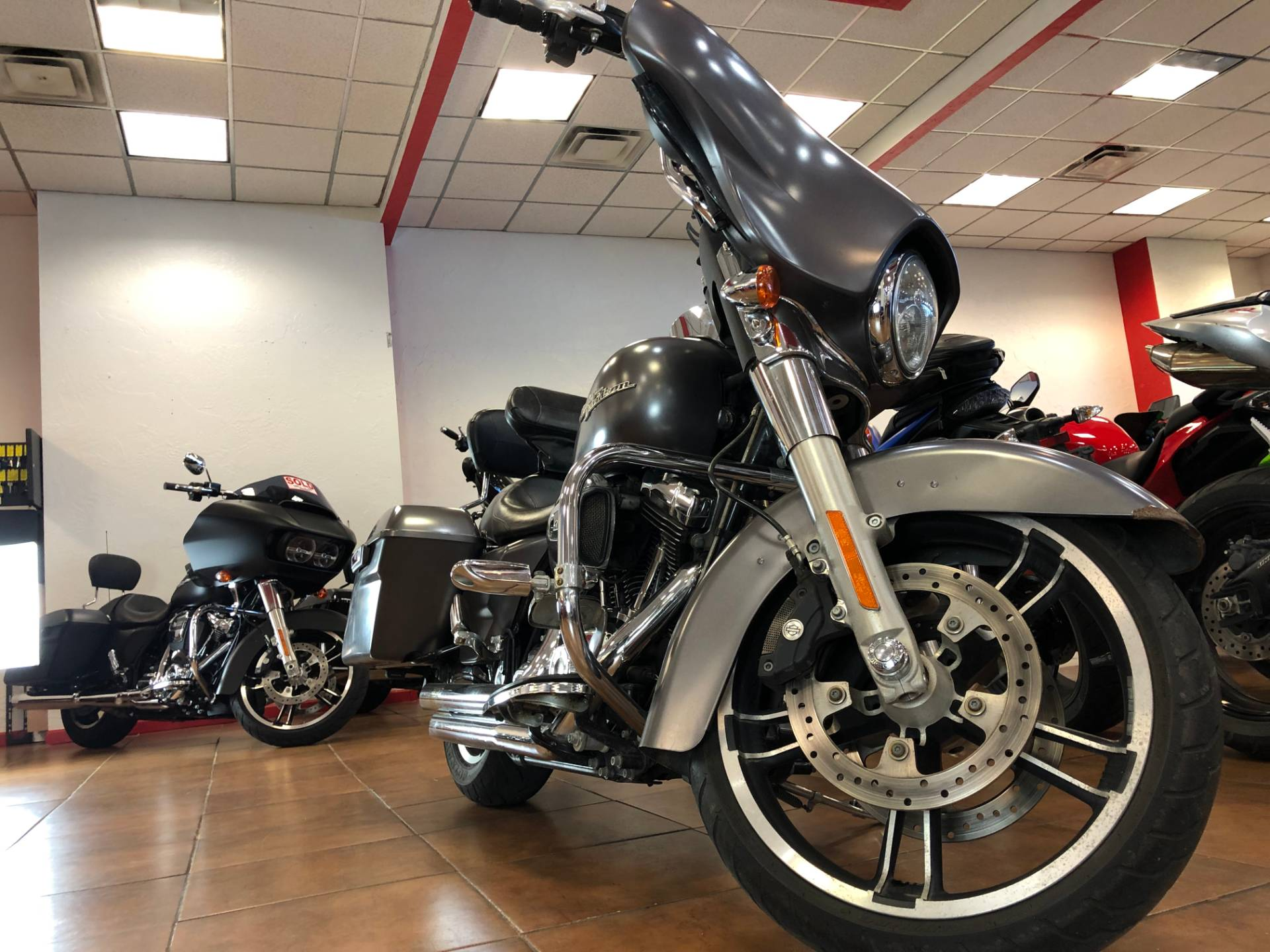 2015 Harley-Davidson Street Glide® in Pinellas Park, Florida - Photo 8