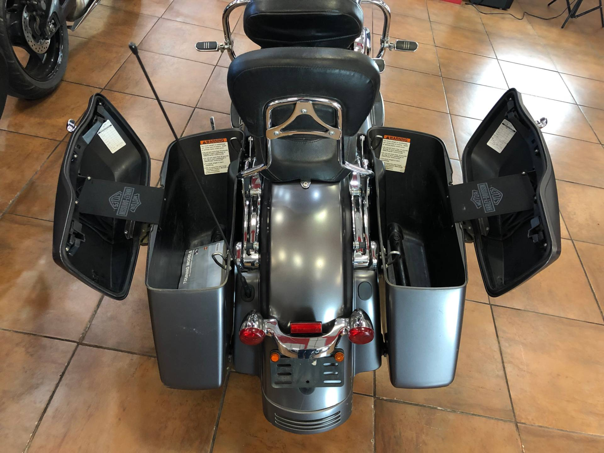 2015 Harley-Davidson Street Glide® in Pinellas Park, Florida - Photo 9