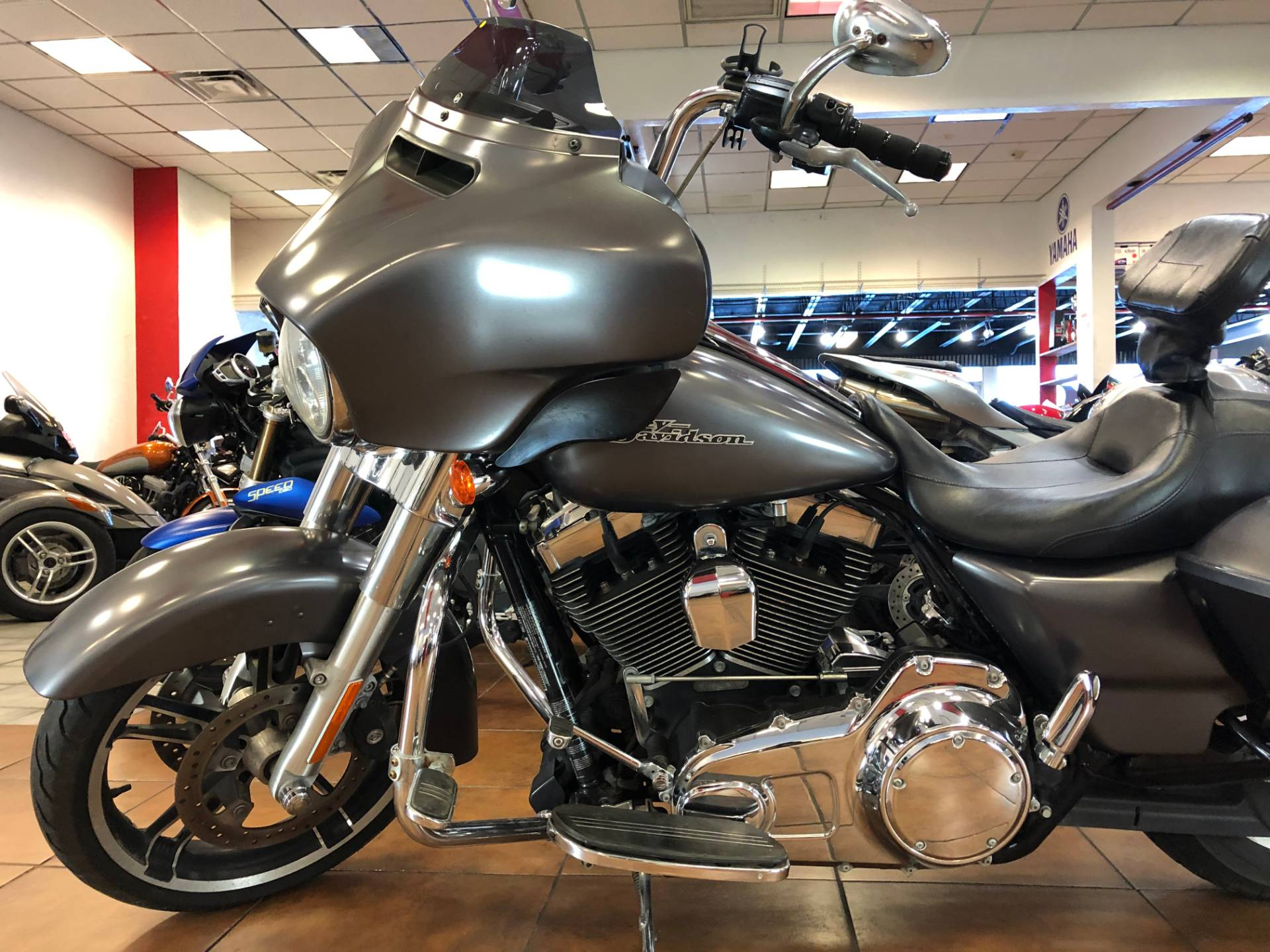 2015 Harley-Davidson Street Glide® in Pinellas Park, Florida - Photo 13