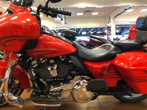 2017 Harley-Davidson Street Glide® Special in Pinellas Park, Florida - Photo 11
