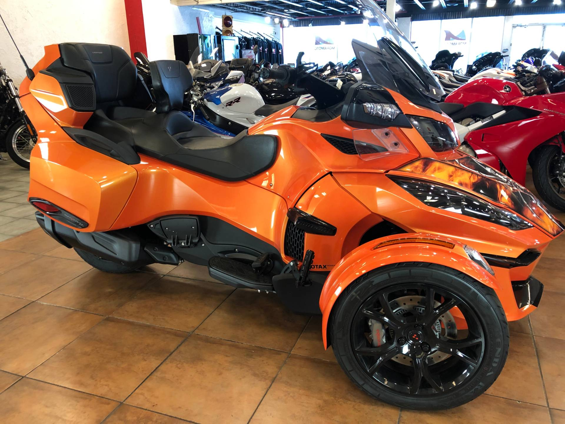 2019 Can-Am Spyder RT Limited in Pinellas Park, Florida - Photo 3