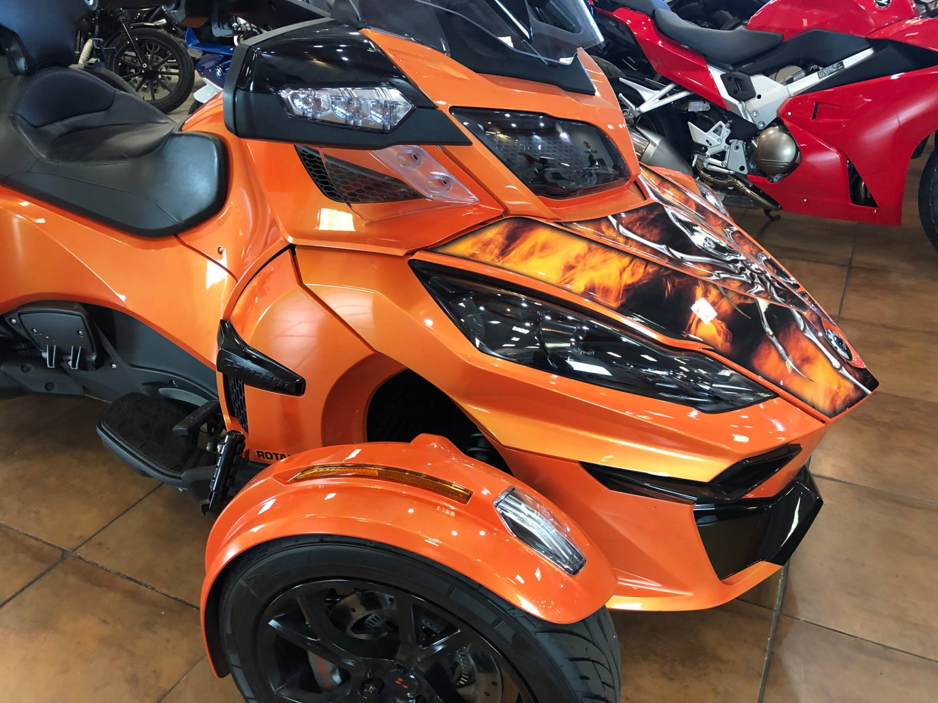2019 Can-Am Spyder RT Limited in Pinellas Park, Florida - Photo 5