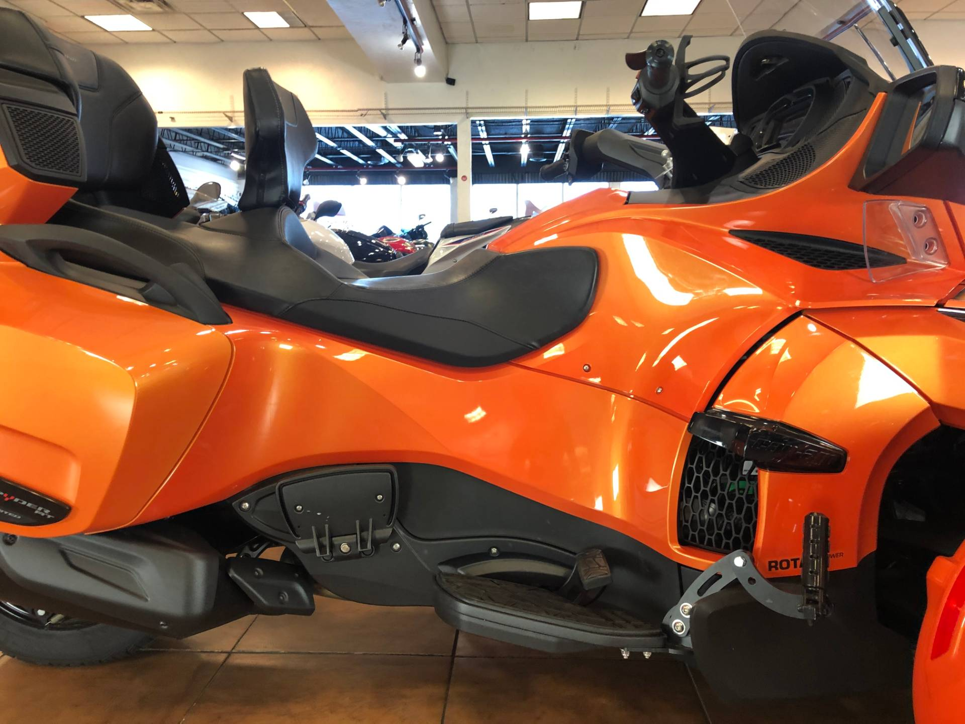 2019 Can-Am Spyder RT Limited in Pinellas Park, Florida - Photo 6
