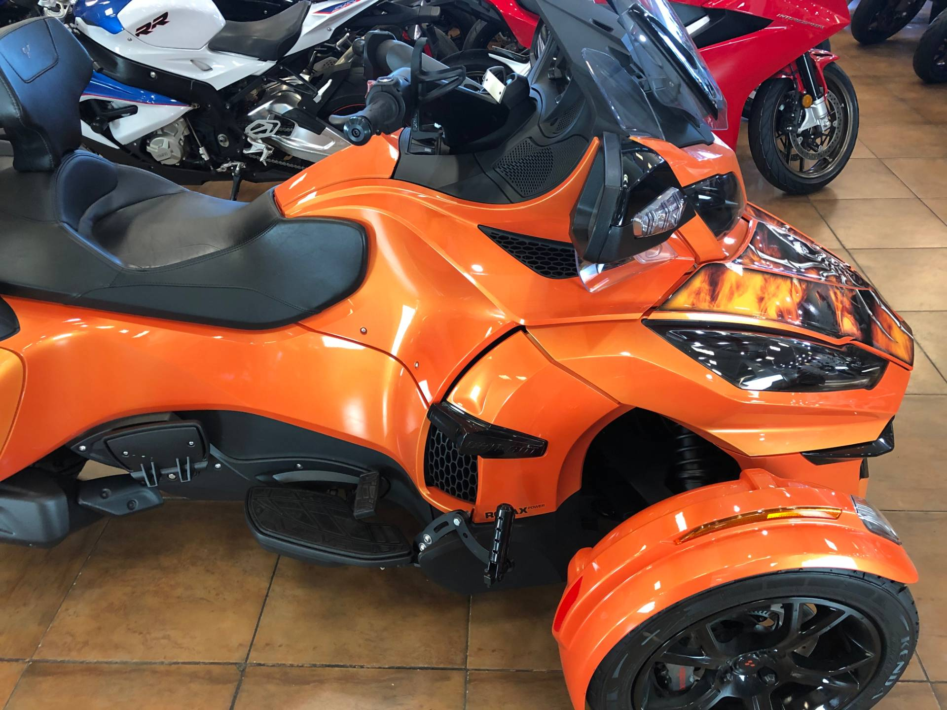 2019 Can-Am Spyder RT Limited in Pinellas Park, Florida - Photo 8