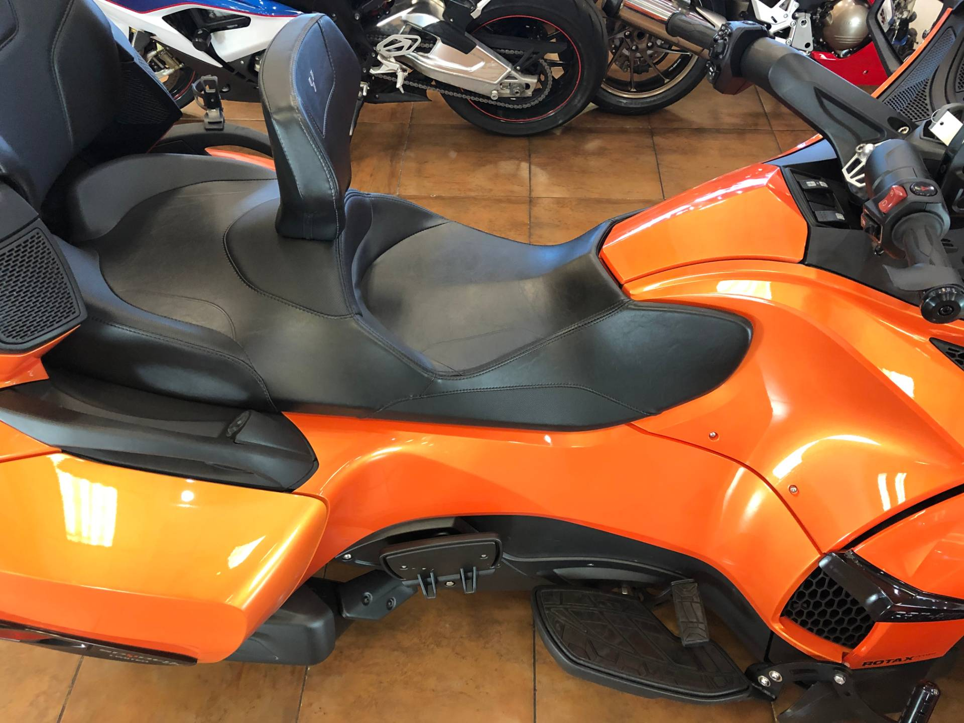 2019 Can-Am Spyder RT Limited in Pinellas Park, Florida - Photo 9