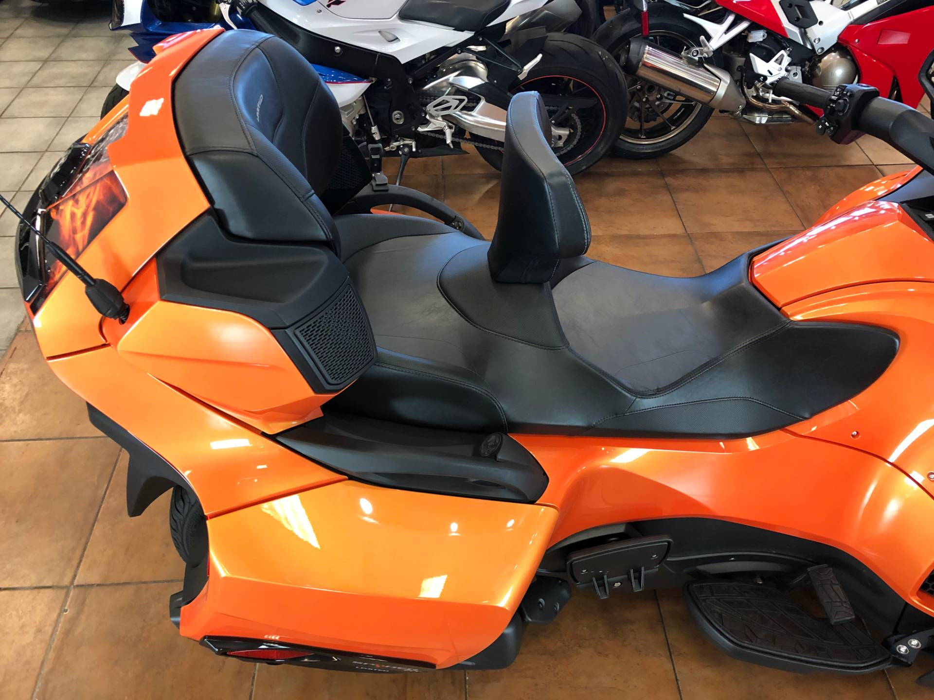 2019 Can-Am Spyder RT Limited in Pinellas Park, Florida - Photo 10