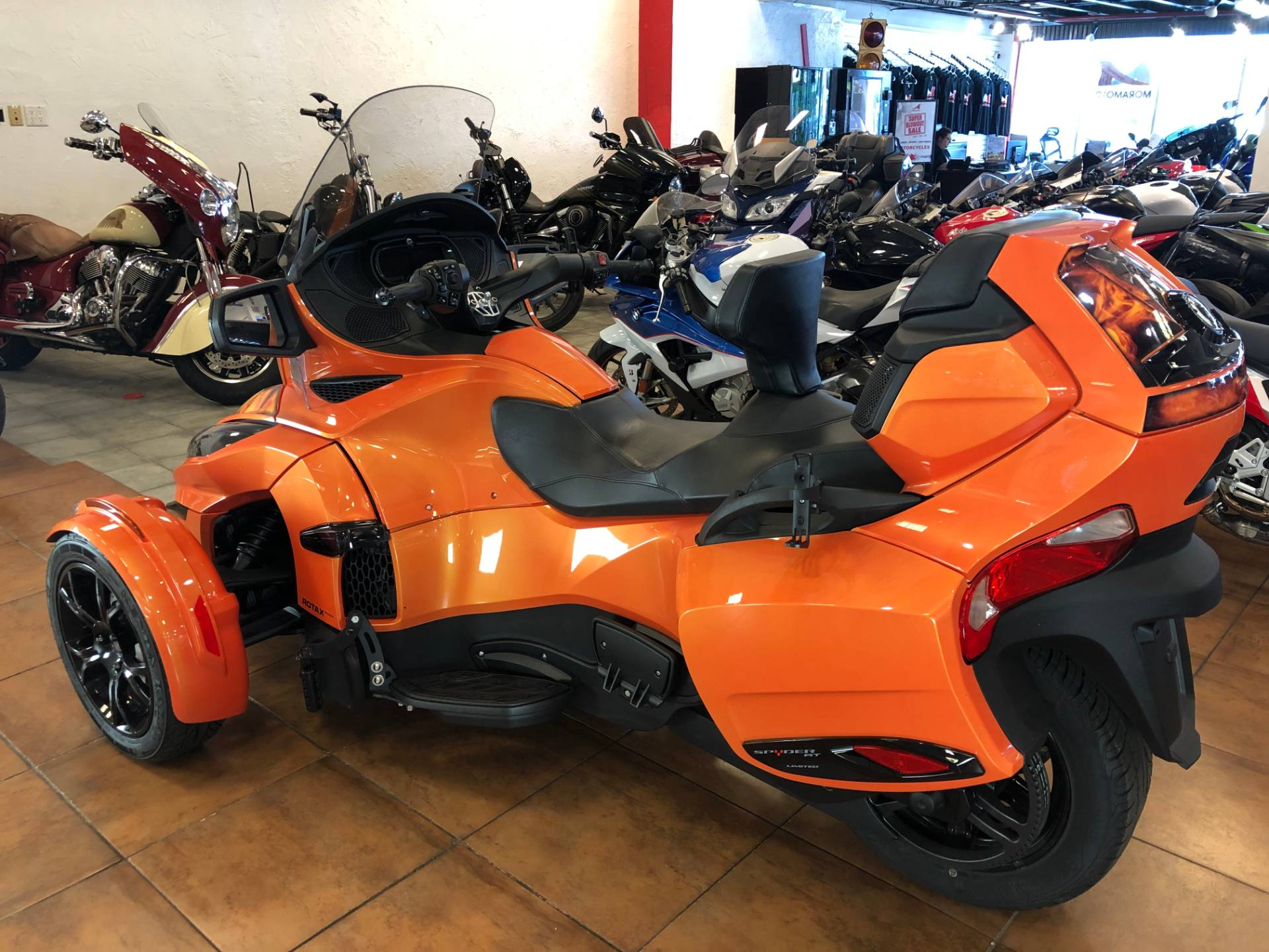 2019 Can-Am Spyder RT Limited in Pinellas Park, Florida - Photo 11