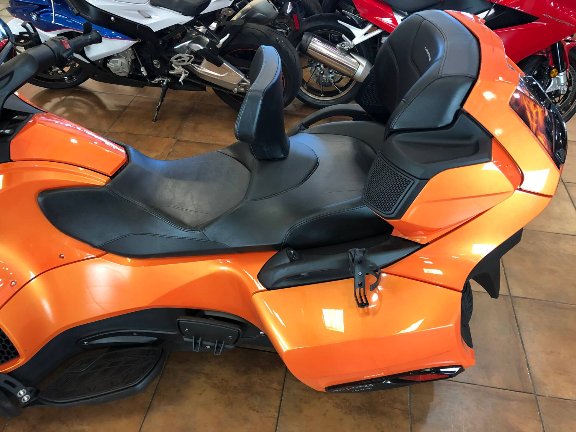 2019 Can-Am Spyder RT Limited in Pinellas Park, Florida - Photo 16
