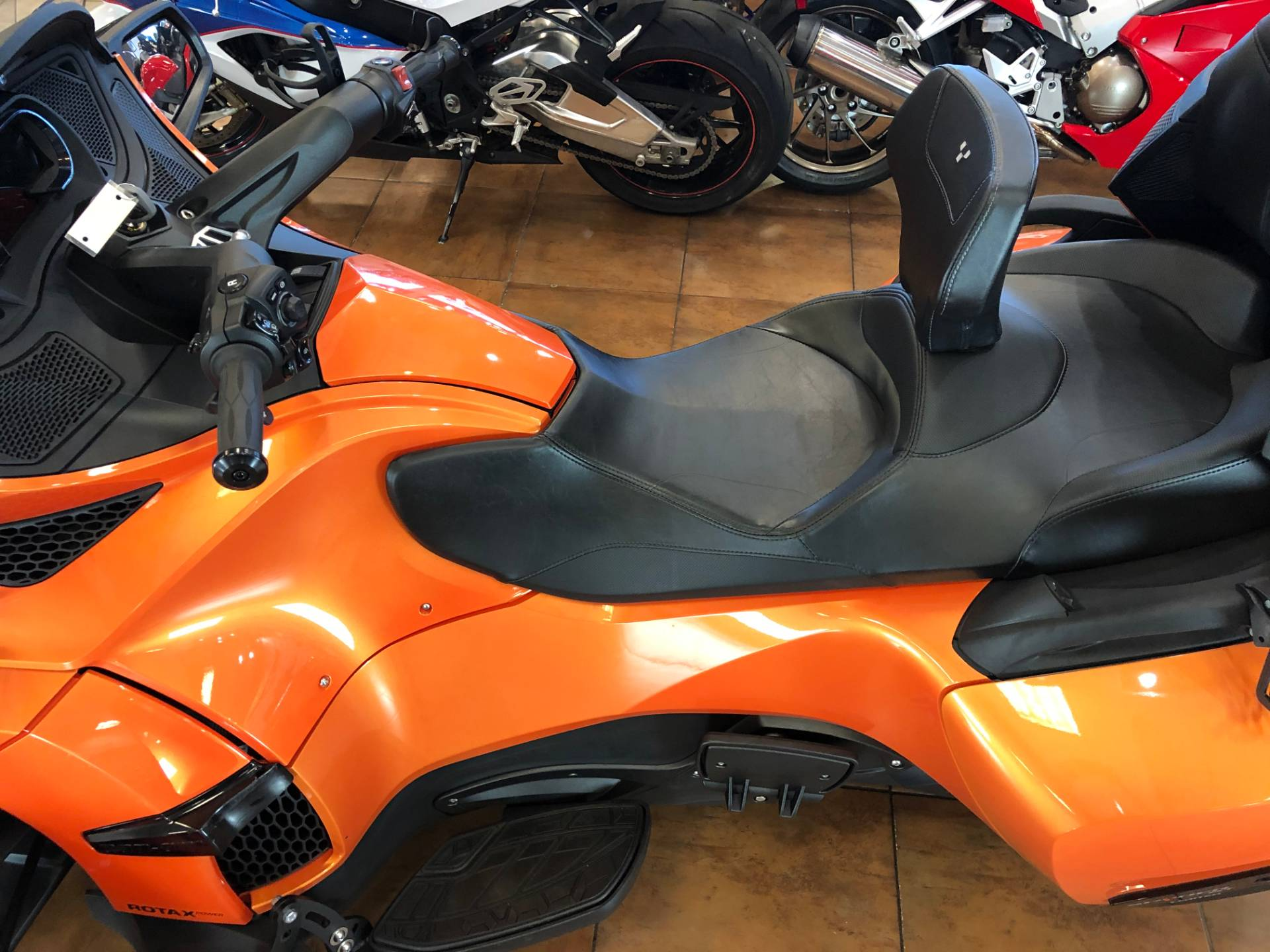 2019 Can-Am Spyder RT Limited in Pinellas Park, Florida - Photo 17