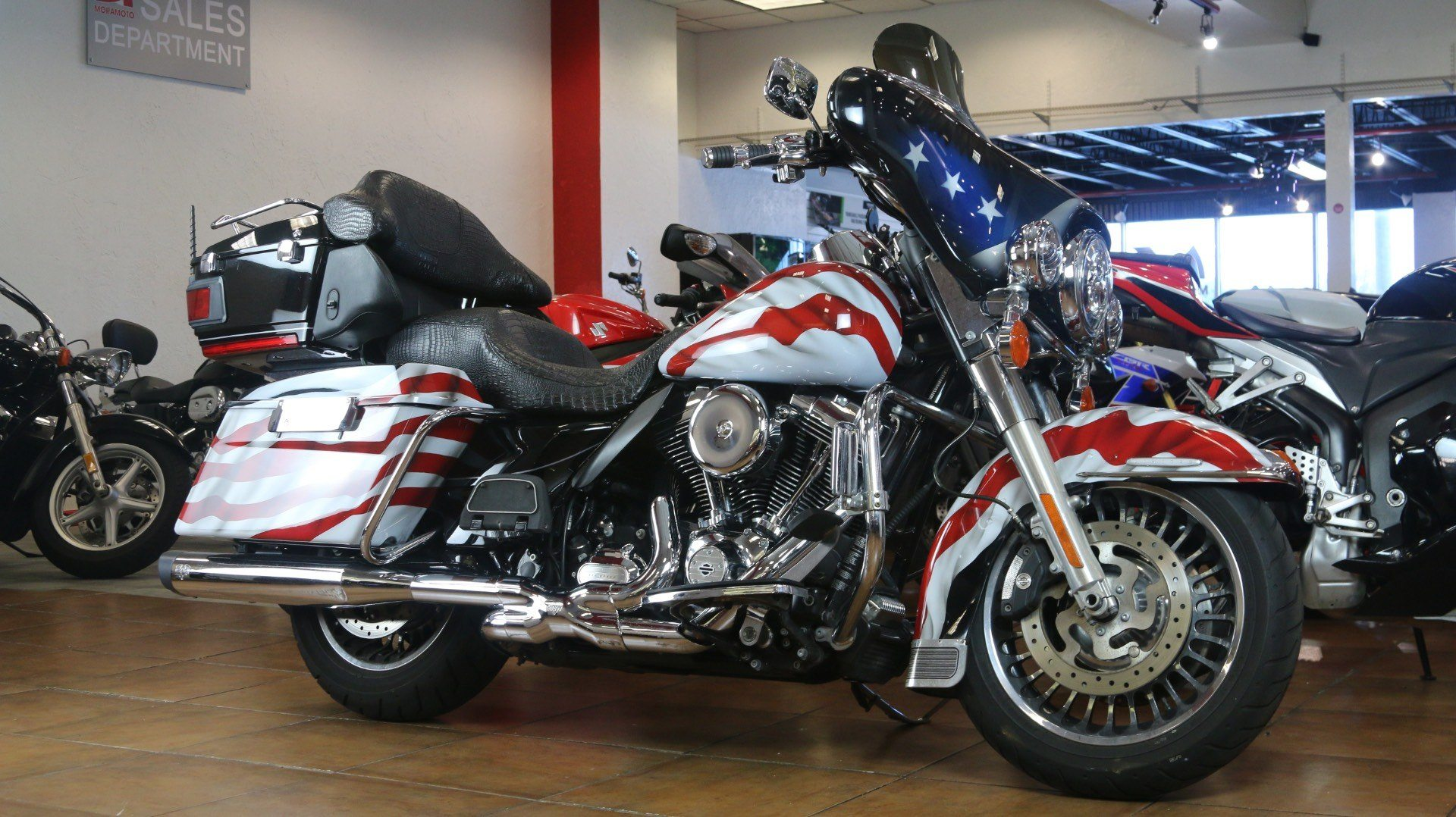 2013 Harley-Davidson Electra Glide® Ultra Limited in Pinellas Park, Florida - Photo 2