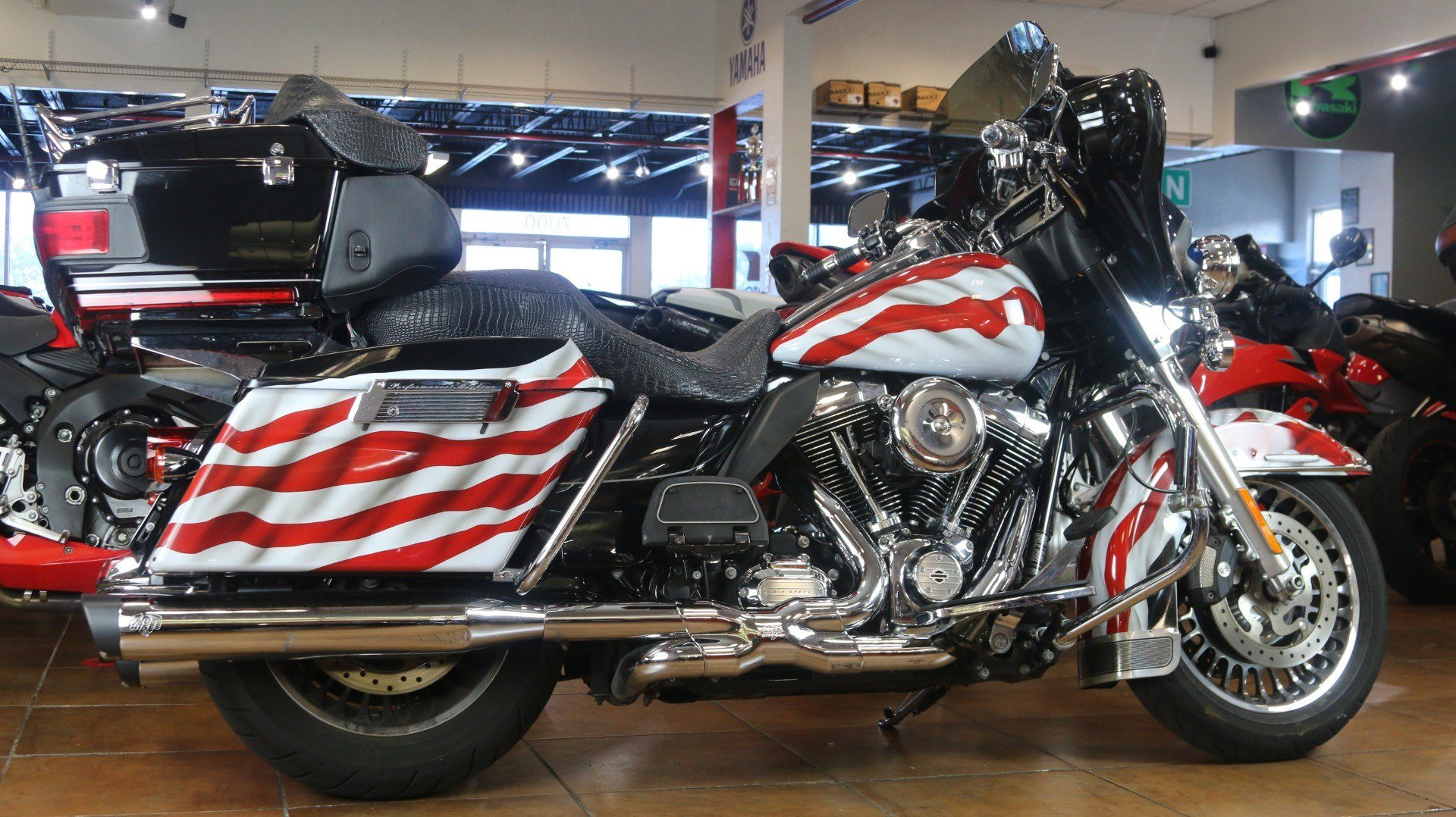 2013 Harley-Davidson Electra Glide® Ultra Limited in Pinellas Park, Florida - Photo 3