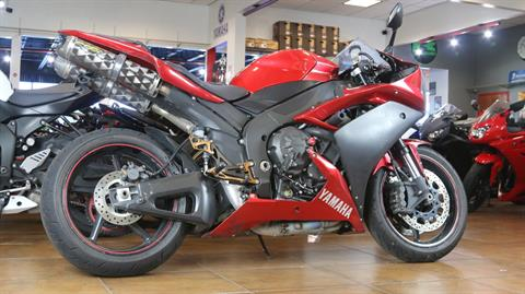2007 Yamaha YZF-R1 in Pinellas Park, Florida - Photo 3