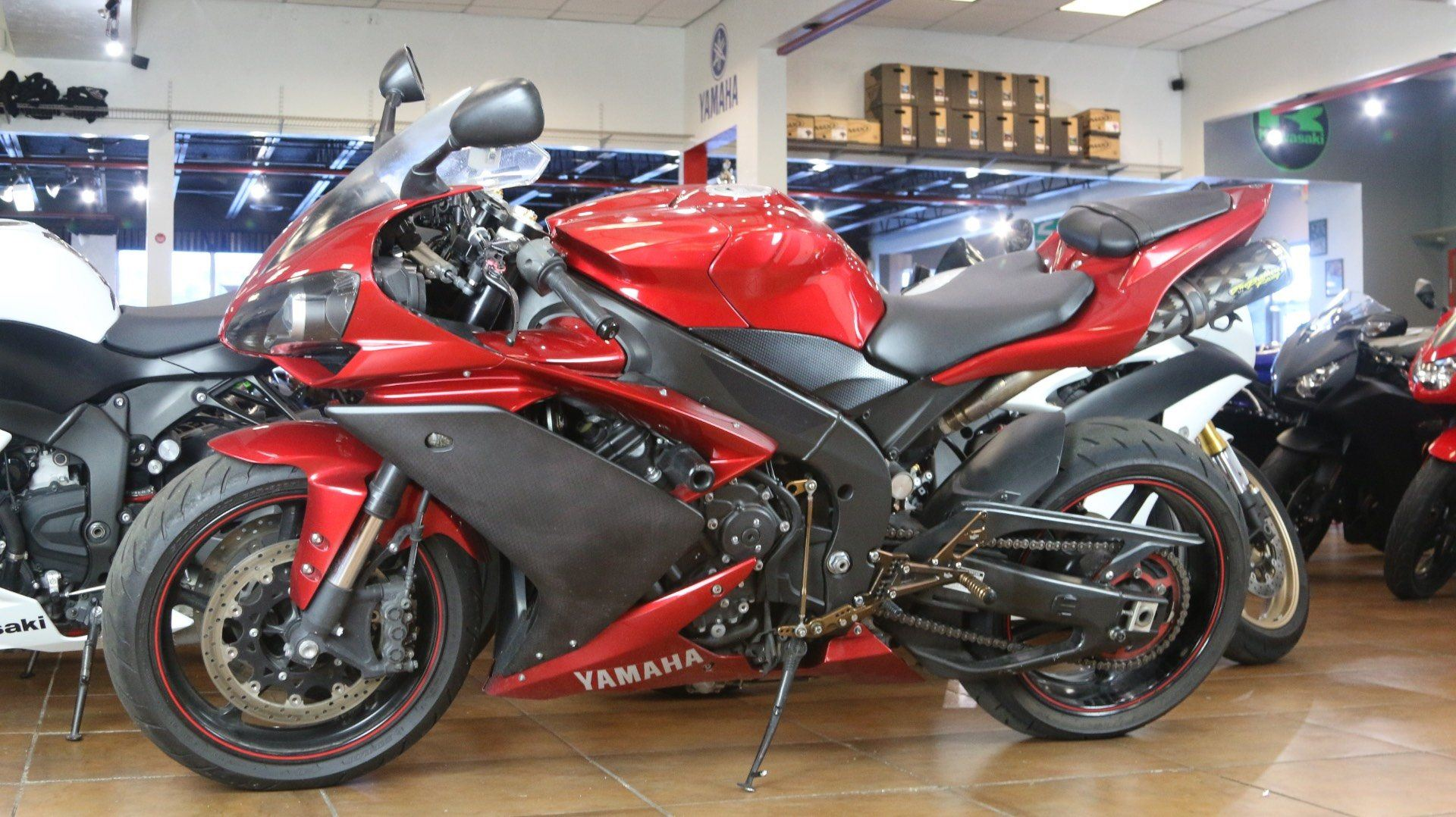 2007 Yamaha YZF-R1 in Pinellas Park, Florida - Photo 11