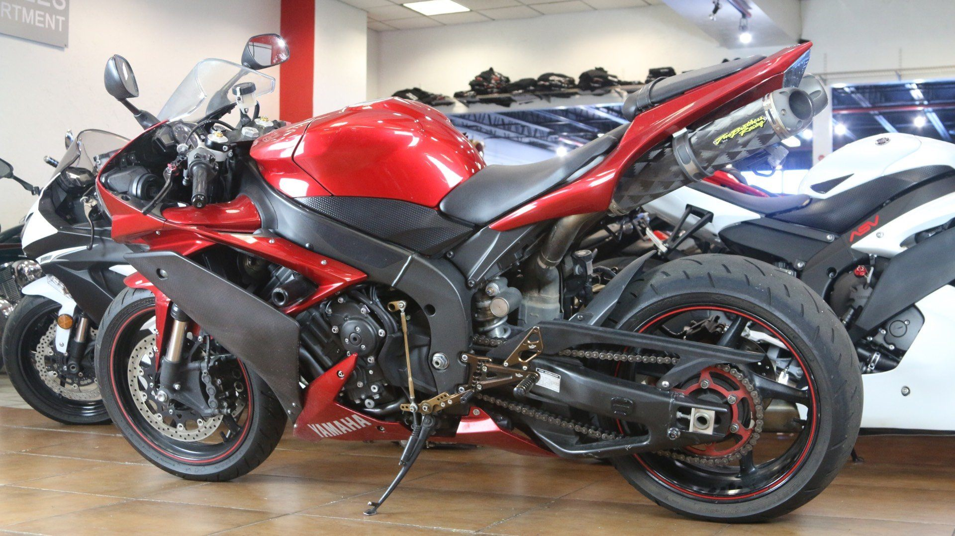 2007 Yamaha YZF-R1 in Pinellas Park, Florida - Photo 12
