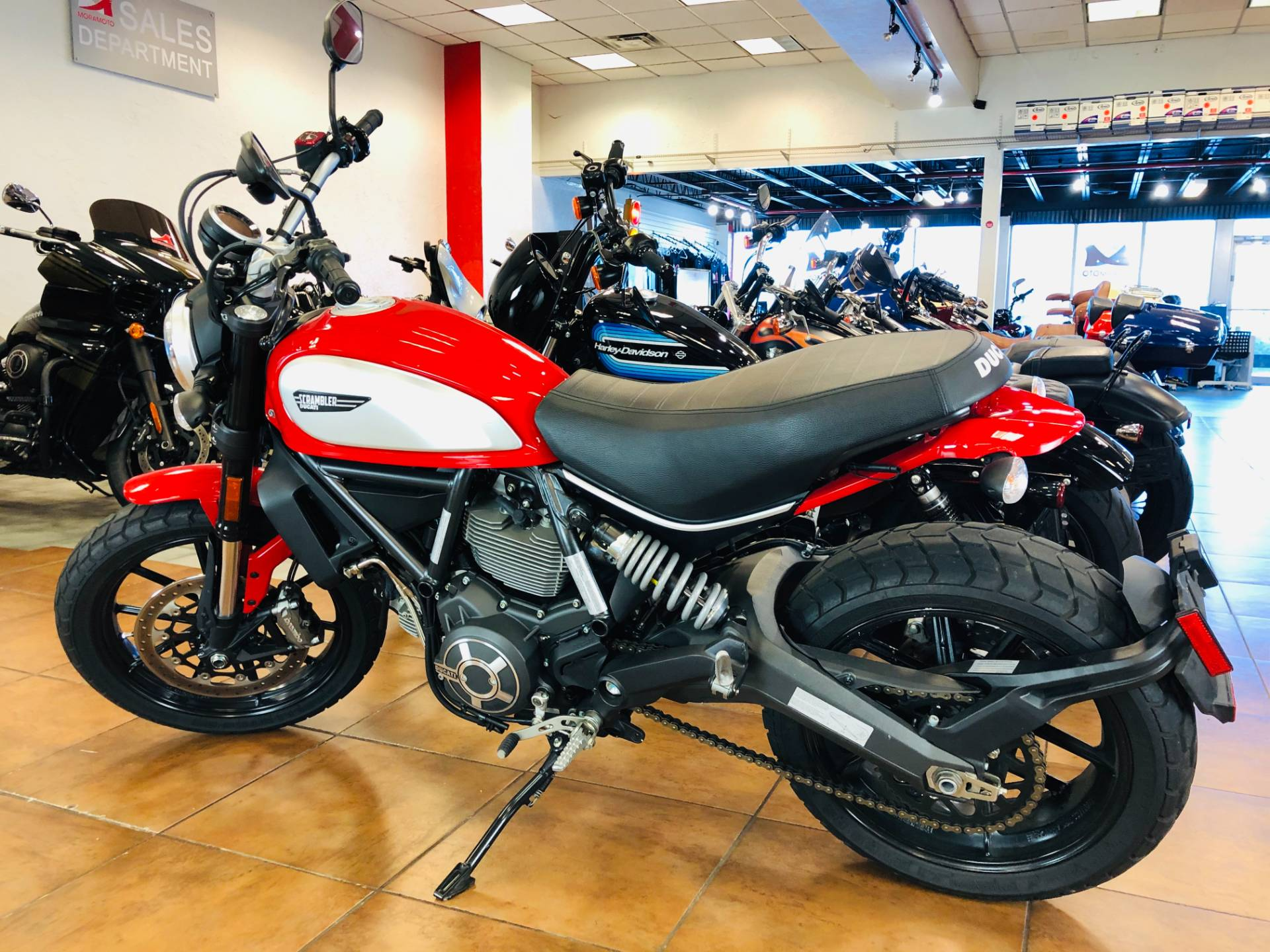 2016 Ducati Scrambler Icon in Pinellas Park, Florida - Photo 12
