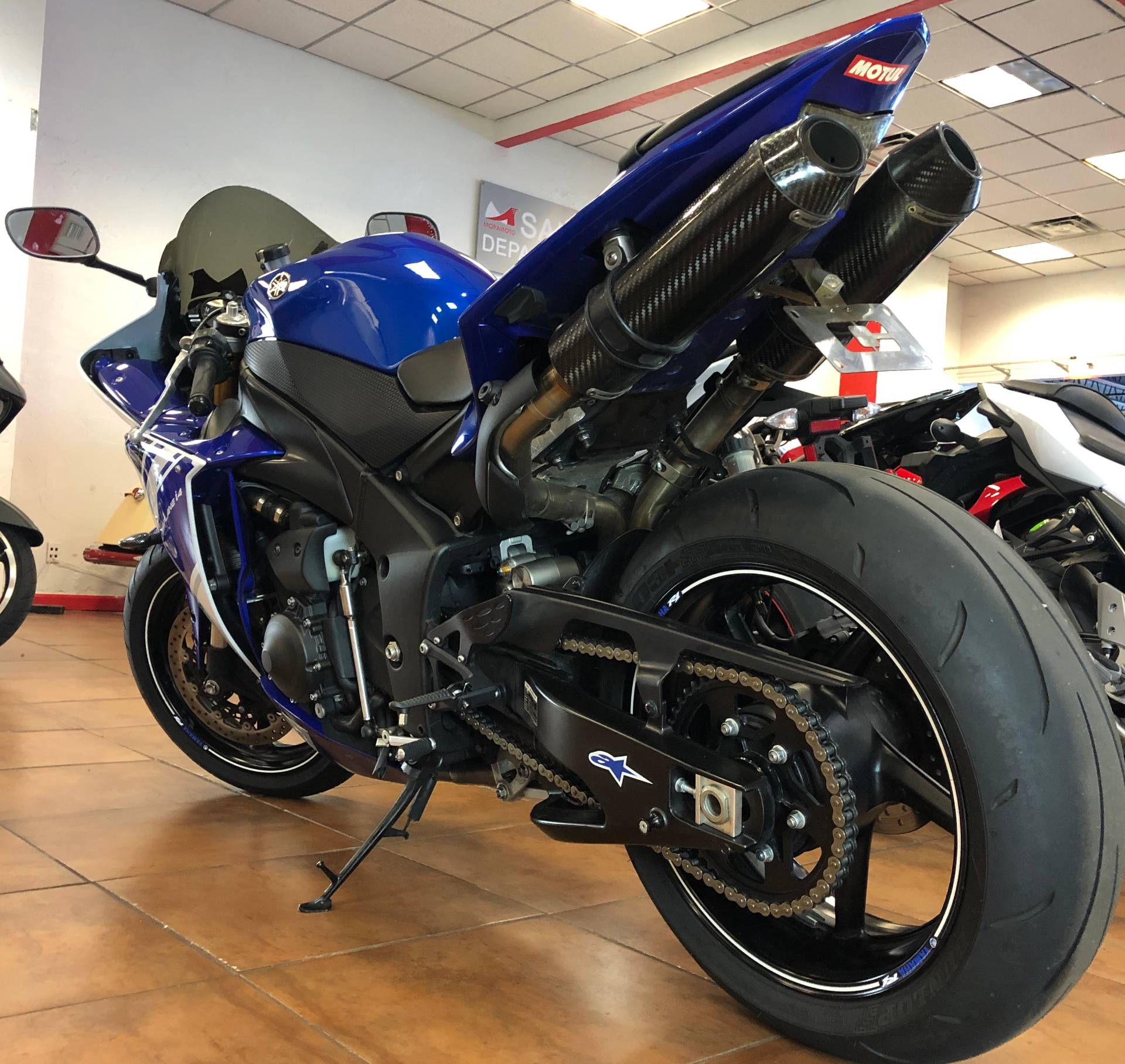 2014 Yamaha YZF-R1 in Pinellas Park, Florida - Photo 14