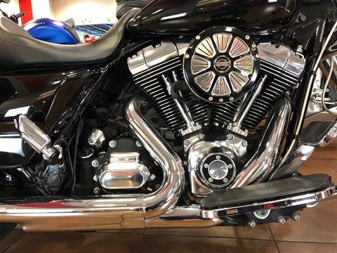 2015 Harley-Davidson Street Glide® in Pinellas Park, Florida - Photo 4