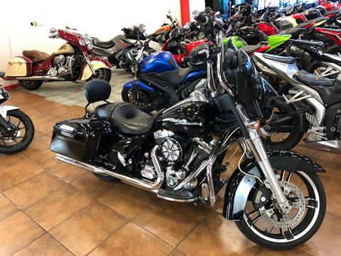 2015 Harley-Davidson Street Glide® in Pinellas Park, Florida - Photo 5