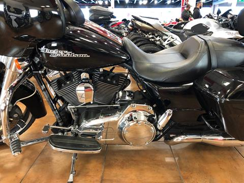 2015 Harley-Davidson Street Glide® in Pinellas Park, Florida - Photo 11