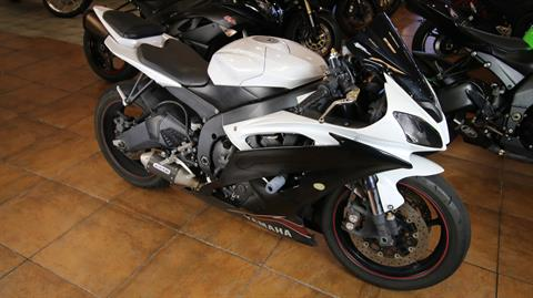 2012 Yamaha YZF-R6 in Pinellas Park, Florida - Photo 2