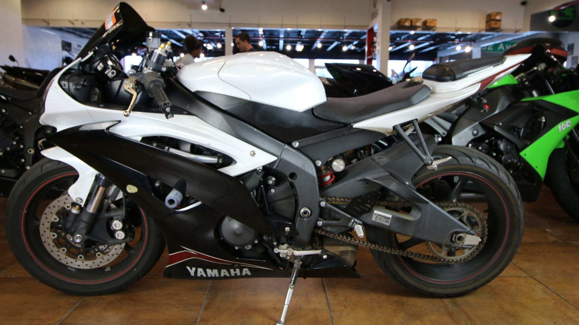 2012 Yamaha YZF-R6 in Pinellas Park, Florida - Photo 11