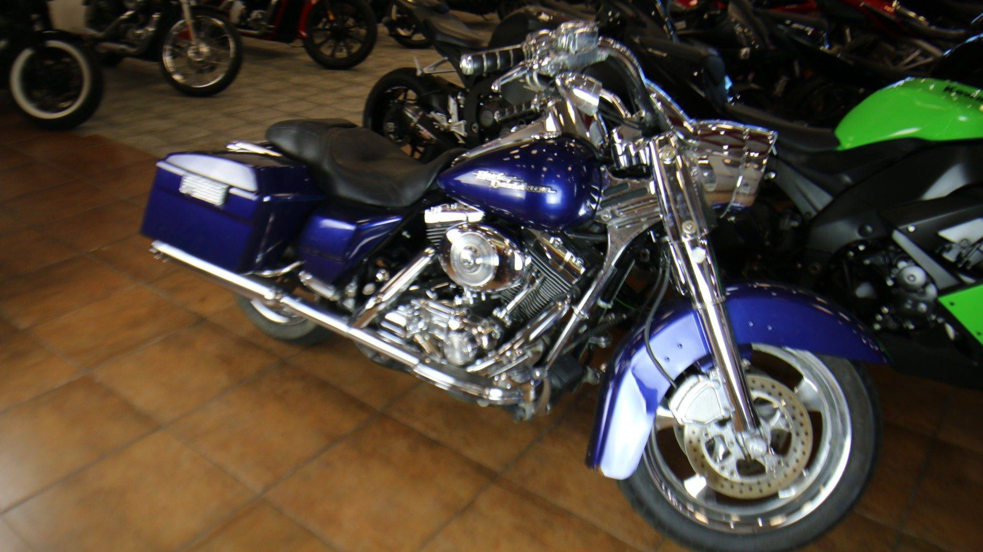 2006 Harley-Davidson Road King® Custom in Pinellas Park, Florida - Photo 2