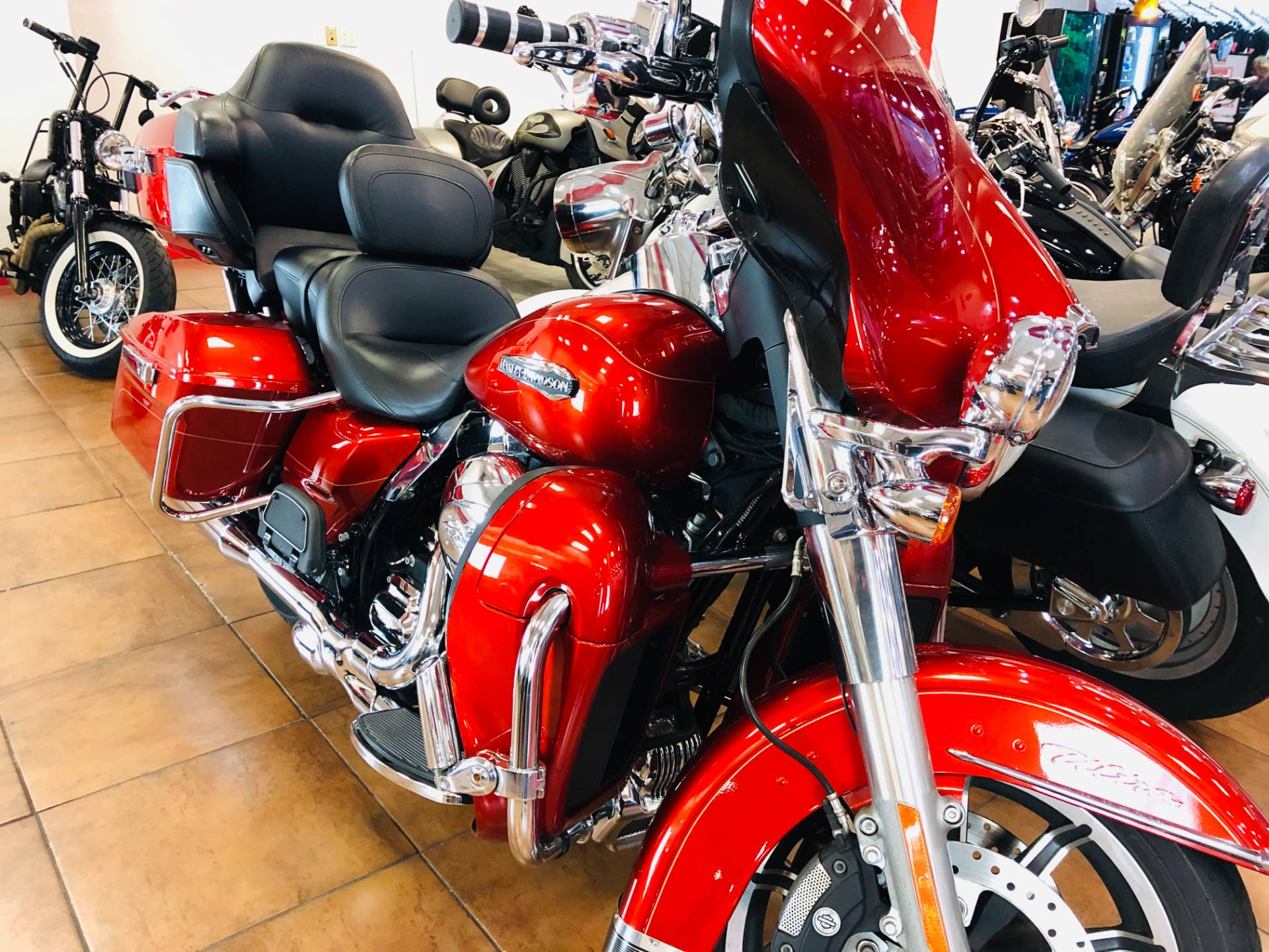 2014 Harley-Davidson Electra Glide® Ultra Classic® in Pinellas Park, Florida - Photo 5