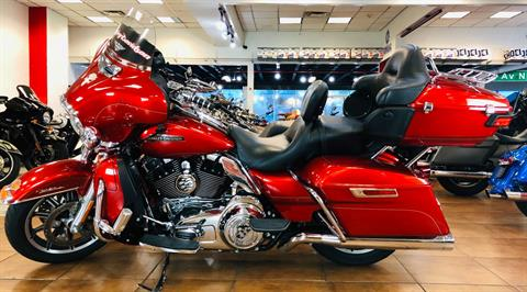 2014 Harley-Davidson Electra Glide® Ultra Classic® in Pinellas Park, Florida - Photo 2