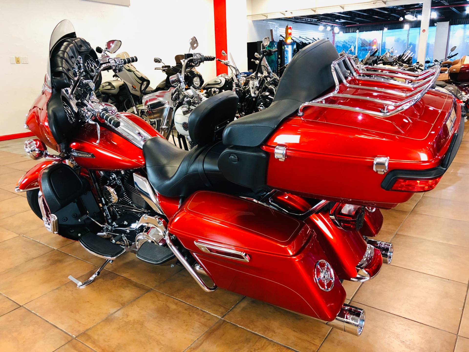 2014 Harley-Davidson Electra Glide® Ultra Classic® in Pinellas Park, Florida - Photo 12