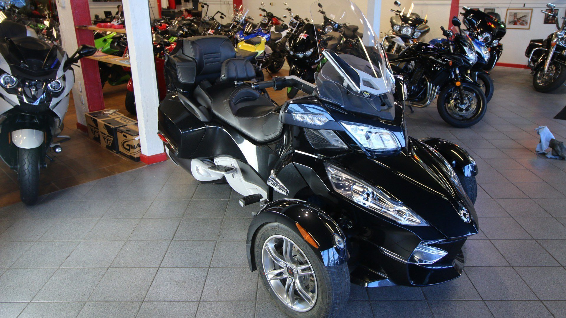 2011 Can-Am Spyder® RT-S SM5 in Pinellas Park, Florida