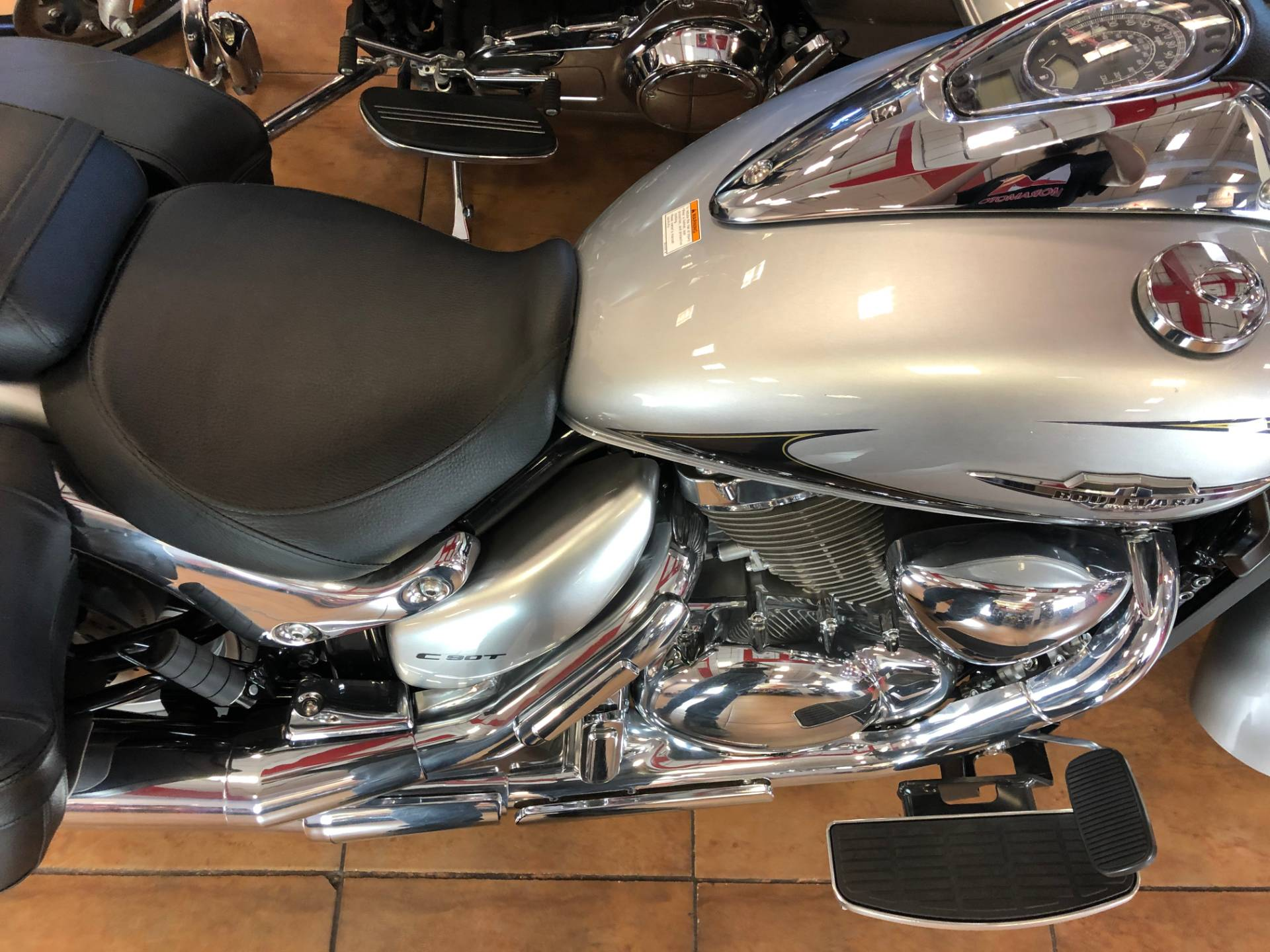 2019 Suzuki Boulevard C90T in Pinellas Park, Florida - Photo 9