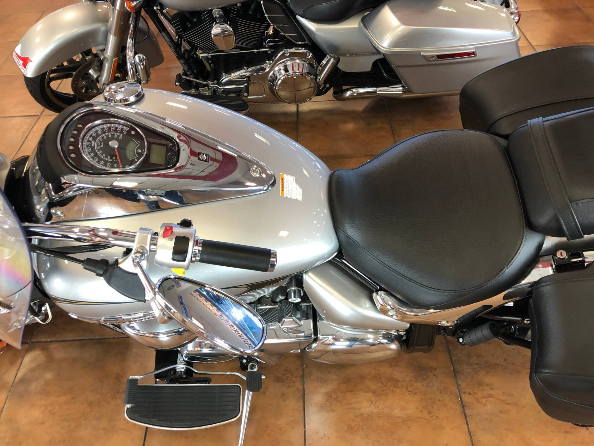 2019 Suzuki Boulevard C90T in Pinellas Park, Florida - Photo 17