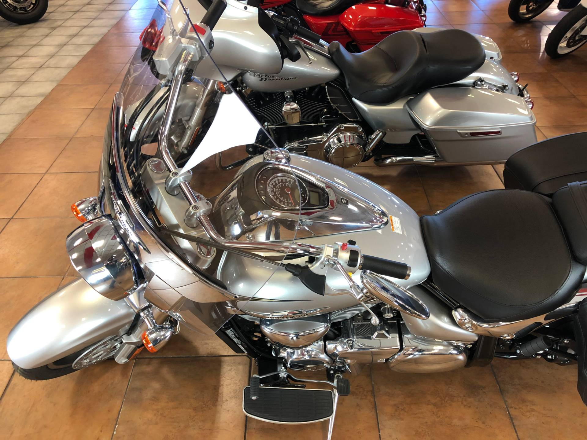 2019 Suzuki Boulevard C90T in Pinellas Park, Florida - Photo 16