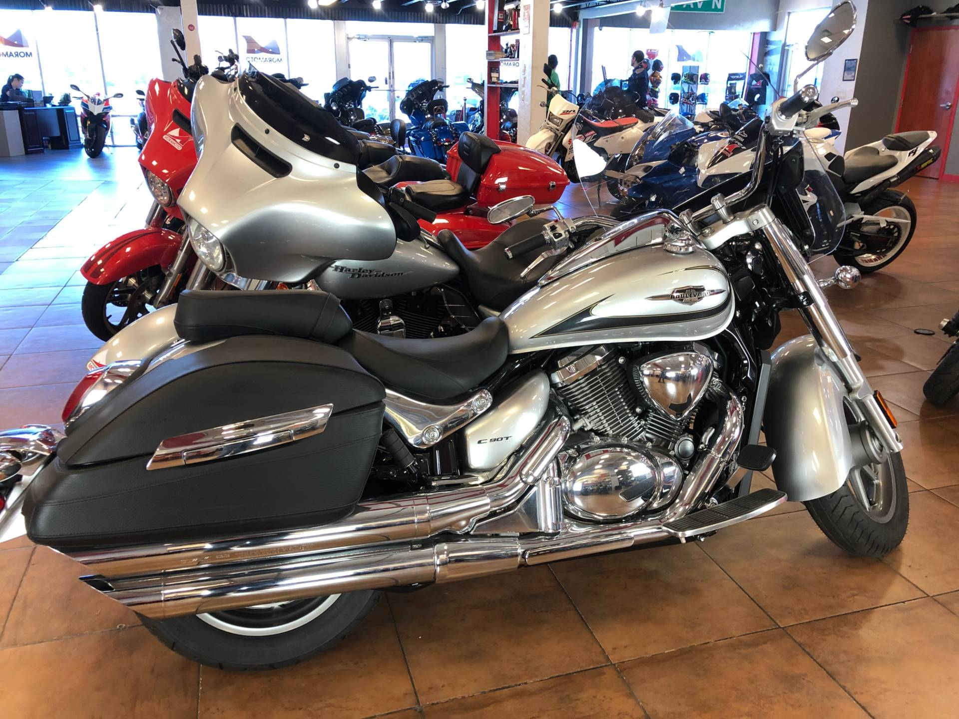 2019 Suzuki Boulevard C90T in Pinellas Park, Florida - Photo 4