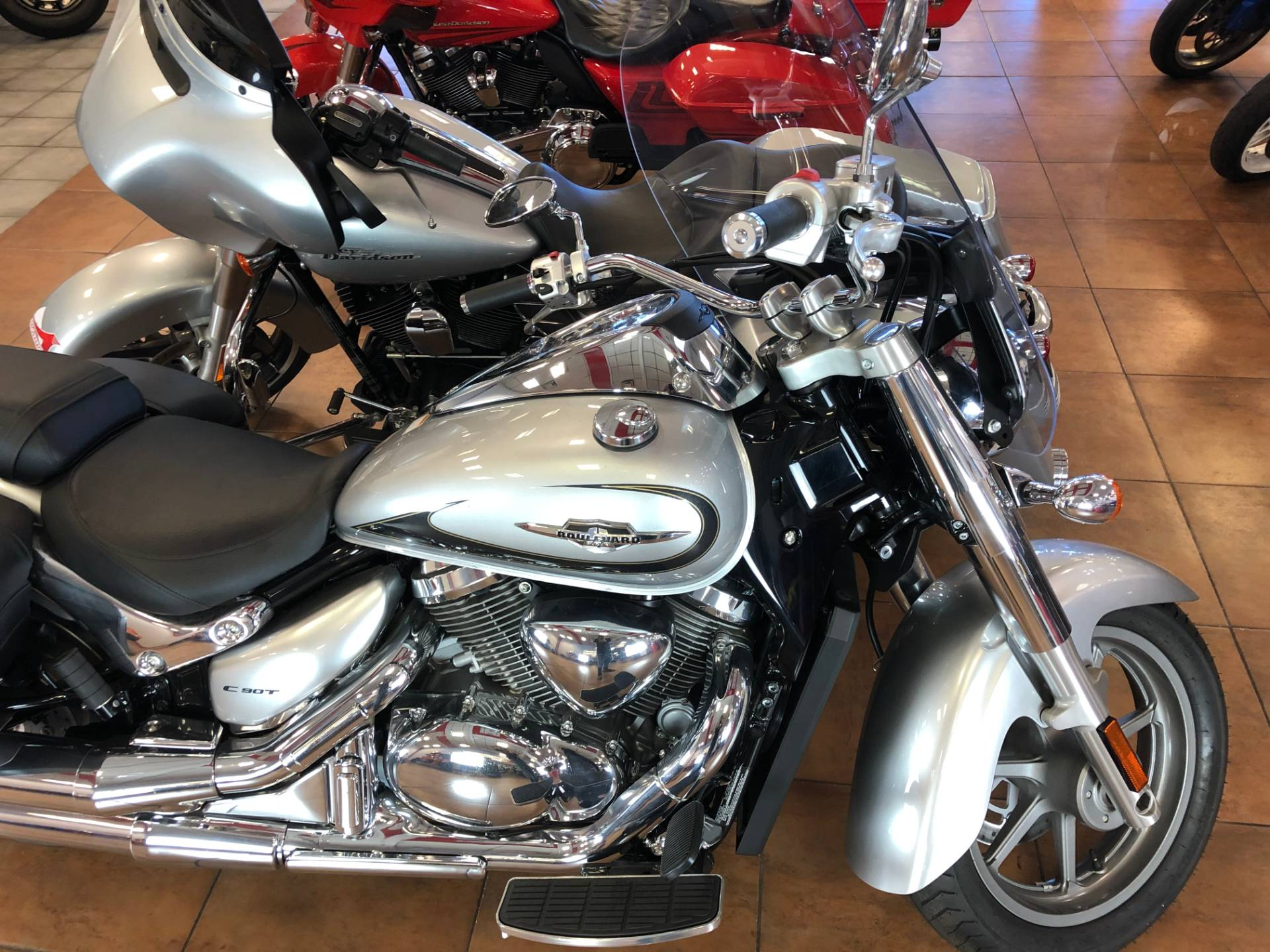 2019 Suzuki Boulevard C90T in Pinellas Park, Florida - Photo 8